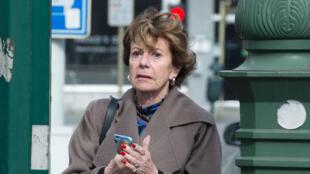 """Neelie Kroes a reconnu qu'elle avait été """"officiellement en infraction avec le code de conduite des commissaires européens""""."""