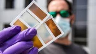 مختبر أمريكي يبتكر نوافذ تولد الكهرباء وتقلل من الحاجة إلى استخدام مكيف هواء