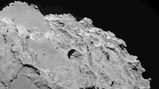 """La comète """"Tchouri"""" atteindra dans la nuit du mercredi 12 au jeudi 13 août sont point d'orbite le plus proche du Soleil."""