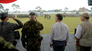 Presidente de Colombia, Juan Manuel Santos, en la toma de posesión de un nuevo miembro de las fuerzas armadas en Tumaco, Colombia, enero de 2018.