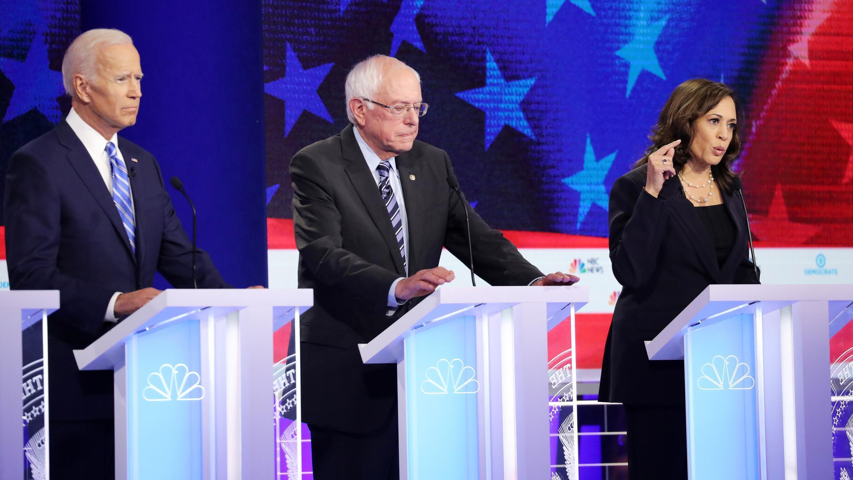 Joe Biden (à g.), Bernie Sanders et Kamala Harris lors du deuxième débat démocrate à Miami, jeudi 27 juin 2019.
