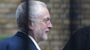 Un vote de défiance a été adopté par les députés travaillistes à l'encontre du leader du Labour, Jeremy Corbyn, le 28 juin 2016.