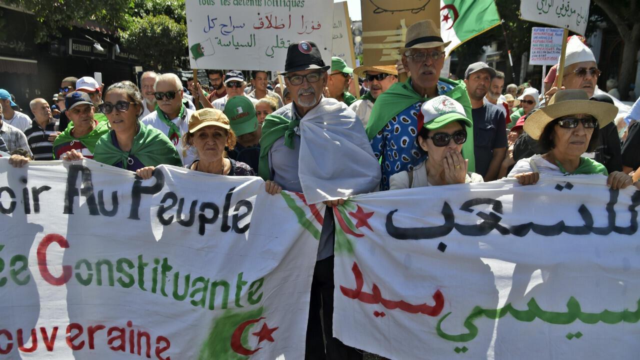 Des manifestants algériens, le 6 septembre 2019, à Alger.