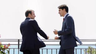 Le président français Emmanuel Macron et le Premier ministre canadien Justin Trudeau se sont rencontrés IRL pour la première fois vendredi matin, à Taormina, en Sicile.