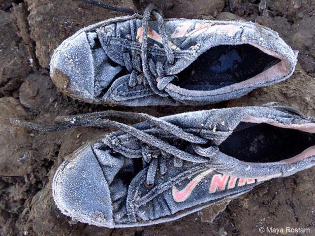 """Maya Rostam a photographié ses chaussures gelées pour expliquer son retard à l'atelier de Reza. """"Je n'avais jamais été aussi touché par le pouvoir symbolique d'une image"""", raconte le photographe."""