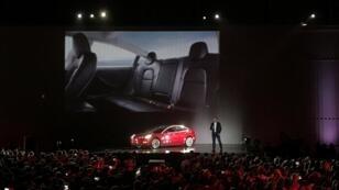Elon Musk présentait en grande pompe le Model 3 de sa Tesla, vendredi 28 juillet, en Californie.