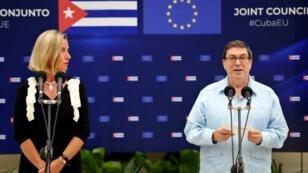 La jefa de política exterior de la Unión Europea, Federica Mogherini, junto al Ministro de Relaciones Exteriores de Cuba, Bruno Rodríguez, durante su encuentro en La Habana el 9 de septiembre de 2019.