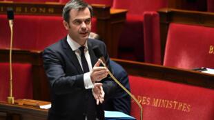 Le ministre de la Santé Olivier Véran le 7 avril 2020 à l'Assemblée nationale à Paris