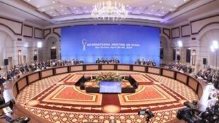 جانب من المحادثات الخاصة بسوريا في عاصمة كازاخستان نور سلطان 26 أبريل/نيسان 2019