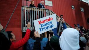 المرشح الديمقراطي بيرني ساندرز يلقي كلمة أمام مناصرين في ولاية إيوا الأمريكية - 03/02/2020