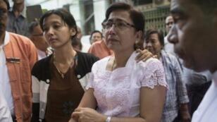 زوجة المحامي المسلم كو ني وابنته غداة الاغتيال في 30 كانون الثاني/يناير 2017