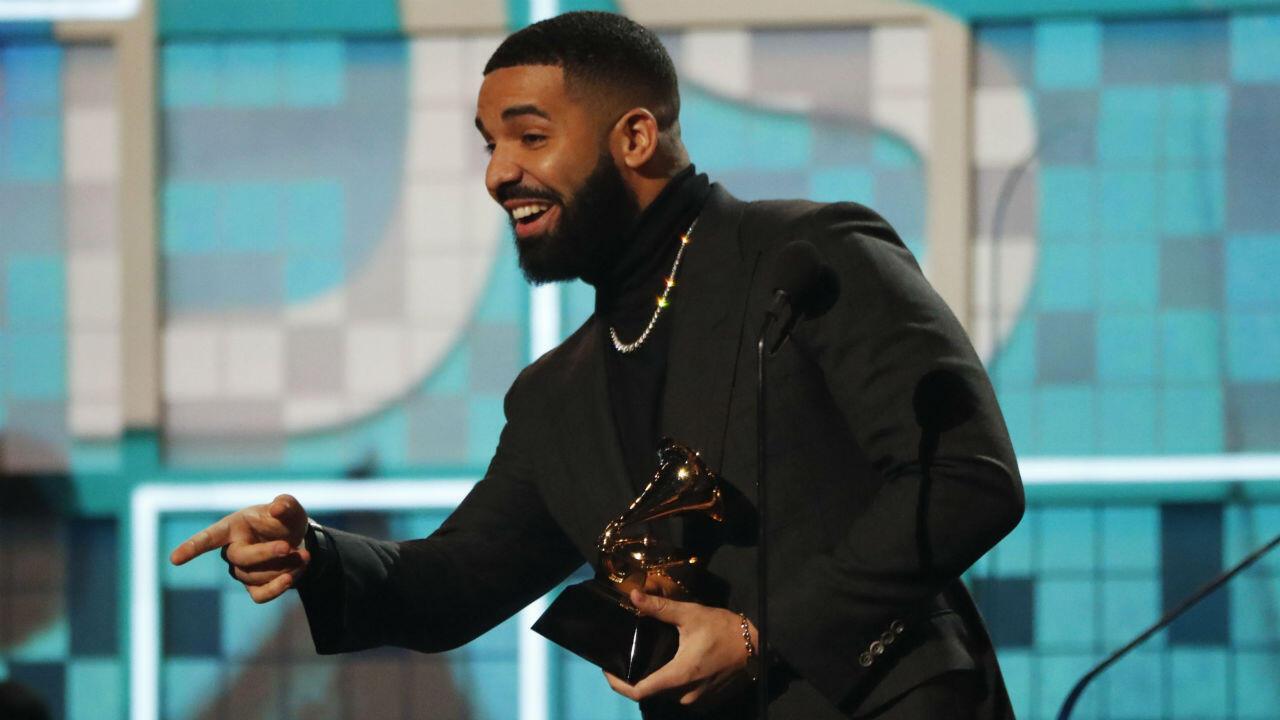 """La categoría Canción de Rap fue para 'God's plan' del rapero Drake. """"No se necesita un Grammy para sentirse ganador"""", fue el mensaje del cantante para los jóvenes que inician la carrera musical."""