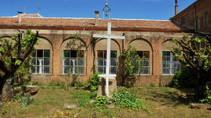 Le monastère Notre-Dame-de-l'Atlas, à Tibéhirine, accueille chaque année 3 000 visiteurs.