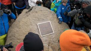 Se inaugura un monumento en el sitio de Okjokull, el primer glaciar de Islandia perdido por el cambio climático en el oeste de Islandia el 18 de agosto de 2019.