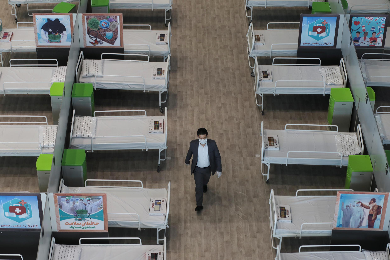 أسواق تجارية تتحول إلى مستشفى في إيران لاستقبال مصابي فيروس كورونا