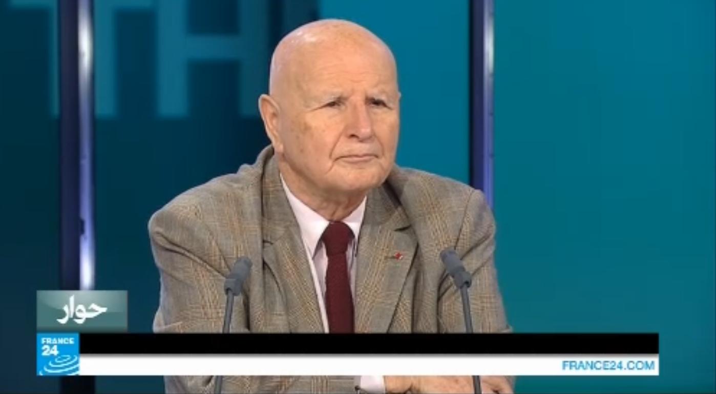 الكاتب والشاعر والدبلوماسي السابق صلاح ستيتية خلال مشاركته في برنامج حوار على فرانس 24