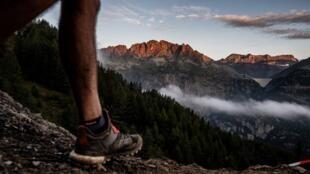 Fotografía del Mont Blanc tomada durante la reciente Ultra Trail Mont Blanc el 2 de septiembre de 2018,  una competencia exigente que cruza Francia, Italia y Suiza.
