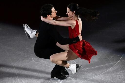 Ice dancers Virtue, Moir announce retirement