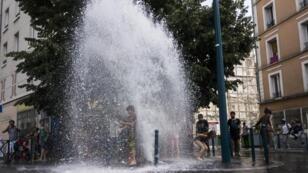 Toda persona que desarme una boca de incendio se expone en teoría a una multa de 75.000 euros.