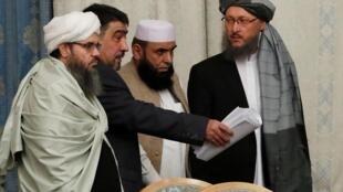أعضاء من وفد حركة طالبان خلال محادثات أجريت في موسكو بروسيا  - 9 نوفمبر 2018