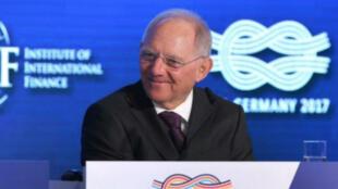 وزير المالية الألماني فولفغانغ شويبله في بادن بادن في 16 آذار/مارس 2017