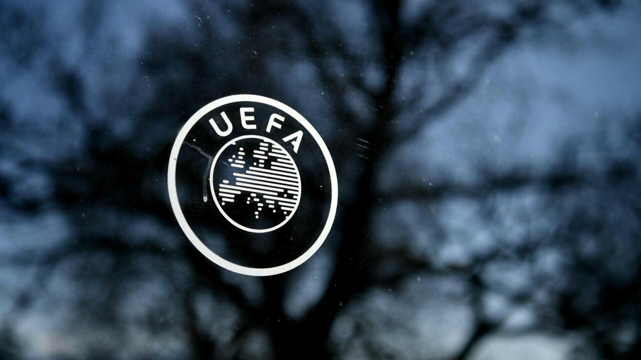 الاتحاد الأوروبي لكرة القدم يتبنى نظاما جديدا لدوري الأبطال ويؤجل قرار البت بالمدن المضيفة لكأس أوروبا