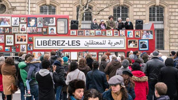 Mobilisation de familles syriennes à Paris, place de la République, le 27 janvier 2018.