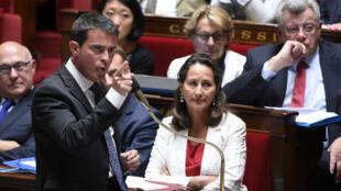 Manuel Valls à l'Assemblée nationale en 2010.