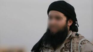 """صورة لرشيد قاسم مأخوذة فيديو دعائي لتنظيم """"الدولة الإسلامية"""""""