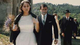 """Marion Cotillard, femme mariée, mais en quête de l'amour absolu dans """"Mal de pierres"""", de Nicole Garcia."""