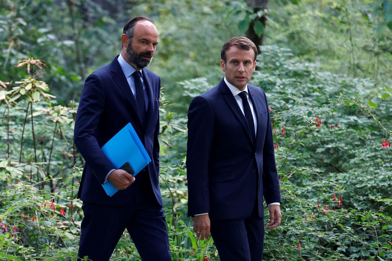 إيمانويل ماكرون وإدوار فيليب في 9 يونيو/حزيران 2020 في باريس.