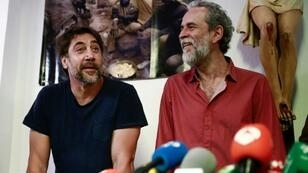 Spanish actor Javier Bardem (L) has spoken out in support of Willy Toledo (R) warning that the country risked a return to the repressive era of dictator Francisco Franco