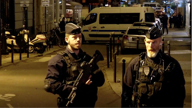 La noche del sábado 12 de mayo un joven checheno atacó a varias personas en el centro de París, provocando la muerte de una persona y dejando cuatro más heridas.