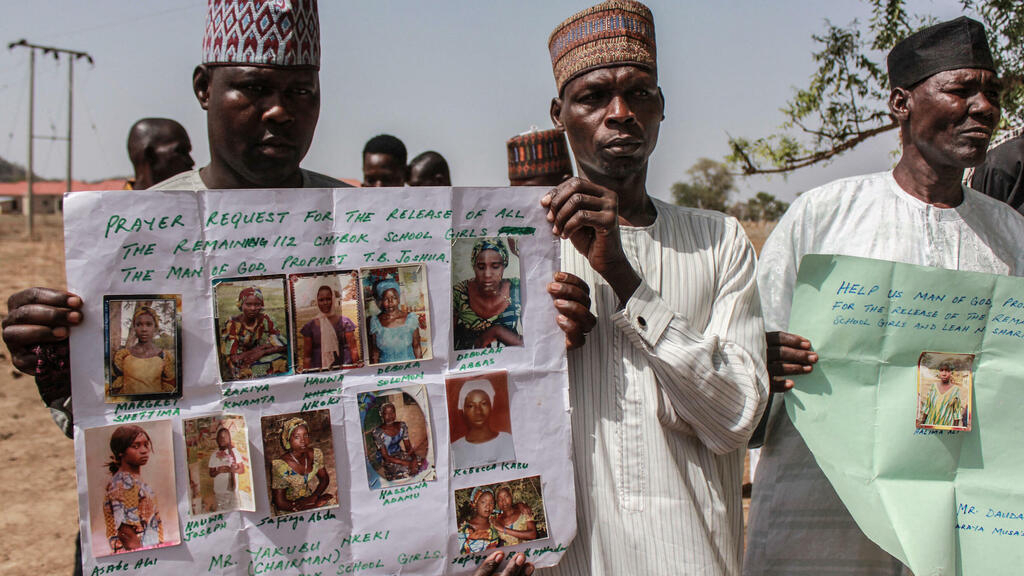 Nigeria : 7 ans après son enlèvement, une lycéenne de Chibok retrouve sa famille