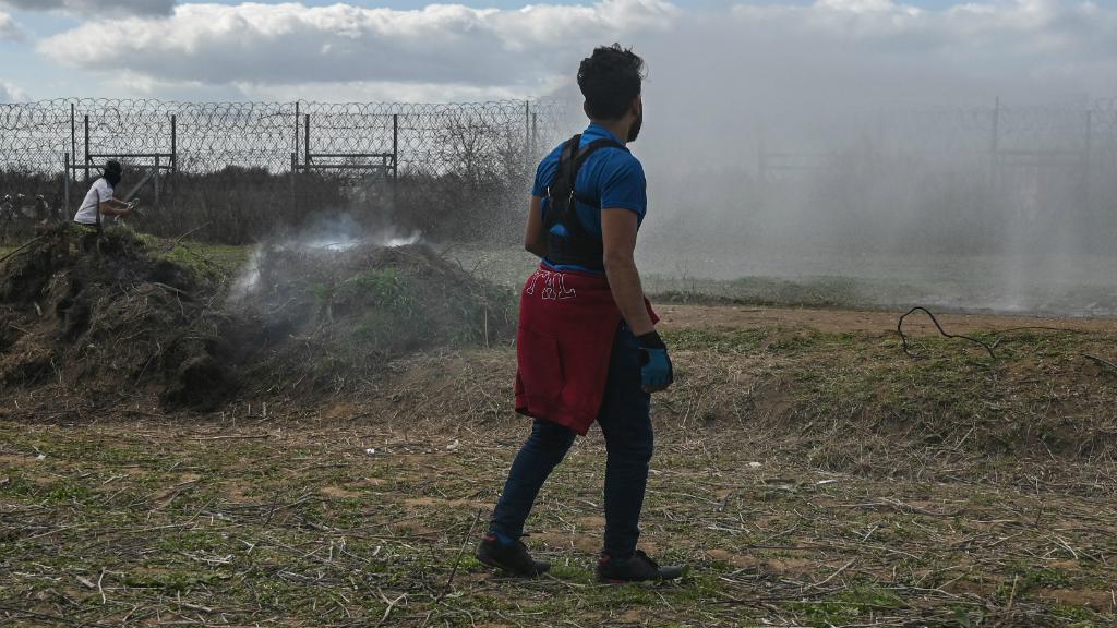 Las autoridades griegas están siendo criticadas por distintas organizaciones por estar vulnerando los derechos humanos.