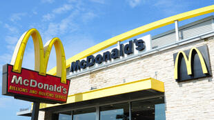 """Los testimonios reunidos incluyen acusaciones que van desde """"comentarios vulgares hasta agresiones físicas"""" sufridos por trabajadores de McDonald's en Australia, Brasil, Chile, Colombia, EEUU, Francia y Reino Unido"""