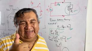 Profesor-peruano-ingenieria
