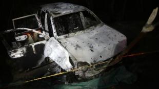 Así quedó el vehículo en el que se transportaba Karina García, candidata a la alcaldía de Suaréz en el departamento del Cauca (Colombia), en el que fue asesinada junto a otras 5 personas. El vehículo fue incinerado. Foto tomada el 2 de septiembre de 2019.