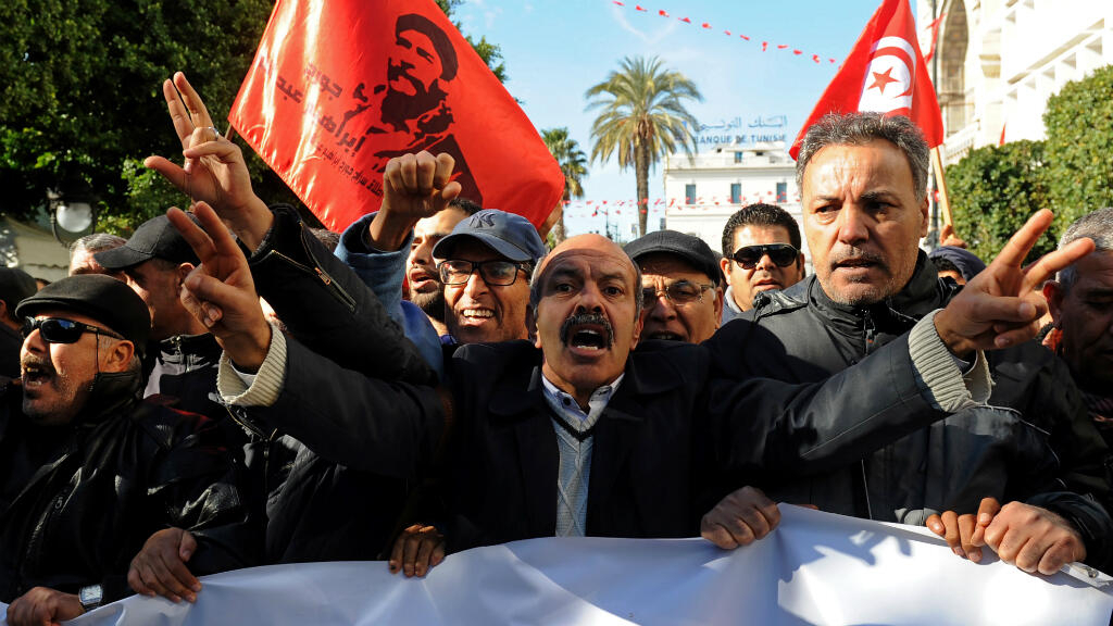 Fresh violence in Tunisia after protests marking Arab Spring
