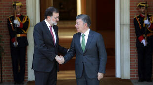 El jefe del Gobierno español, Mariano Rajoy, recibe al presidente de Colombia, Juan Manuel Santos, en el Palacio de La Moncloa. 13 de mayo de 2018.