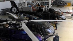 Unos helicópteros, fotografiados el 15 de julio de 2020 en un hangar del Heli Club de las afueras de Moscú