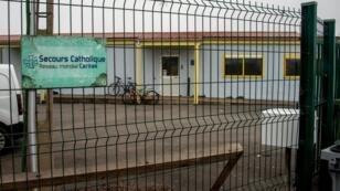 Le Secours catholique peut désormais offrir des douches aux migrants de Calais