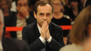 Le maire de Béziers Robert Menard lors de son premier conseil municipal le 4 avril 2014.