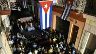 Cubanos participan en asambleas populares para nominar a candidatos a delegados municipales en La Habana, el 4 de septiembre de 2017.