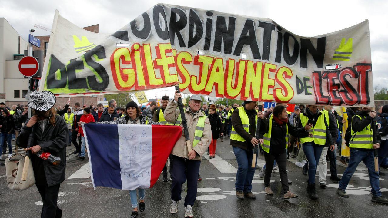 """Desde Estrasburgo, sede del Parlamento europeo, los chalecos amarillos hicieron un llamado a una movilización """"nacional e internacional"""". Abril 27 de 2019."""