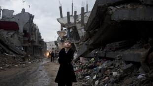 Un enfant palestinien dans la banlieue de Gaza, le 19 octobre 2014.