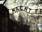 """ناجون من """"أوشفيتز"""" يزورون المعتقل في الذكرى 75 لتذكير العالم بجرائم النازيين"""