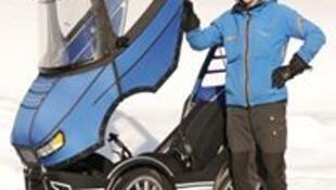 مهندس سويدي يبتكر دراجة على شكل سيارة تتماشى مع جميع الظروف الجوية