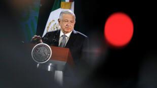 El presidente de México, Andrés Manuel López Obrador, celebra su conferencia de prensa diaria en Oaxaca, México, el 18 de octubre de 2019.