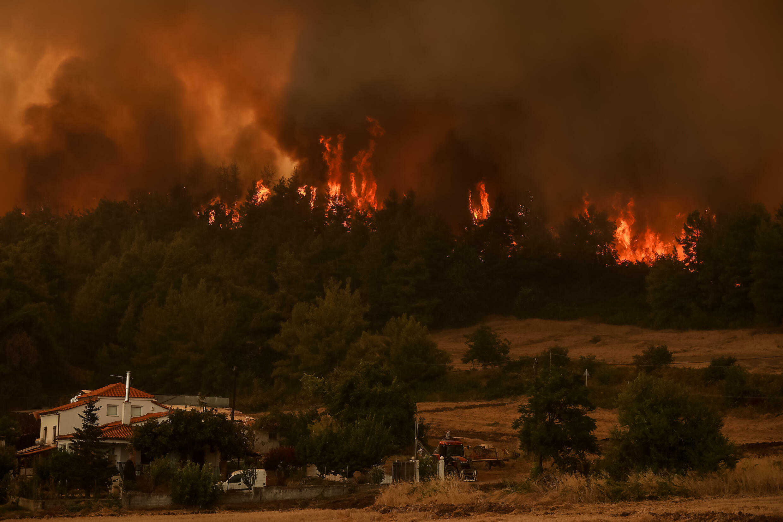 Les incendies se poursuivront avec des vents forts et des températures élevées prévues